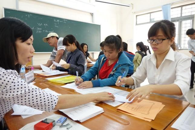 Điểm chuẩn dự kiến vào các trường đại học cập nhật hàng ngày - anh 2