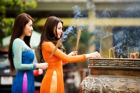 """Những điều cần biết khi đi lễ chùa trong """"tháng cô hồn"""" - anh 1"""