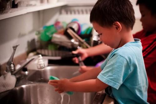 4 kỹ năng cần thiết trước khi bé đi nhà trẻ - anh 3