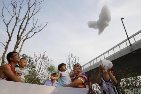 Phát minh máy làm mây nhân tạo gây sốt ở Trung Quốc - anh 4