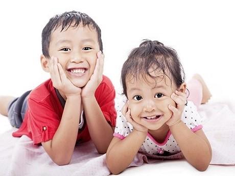 Kỹ năng sống cho trẻ: Dạy con ngoan biết chia sẻ - anh 1