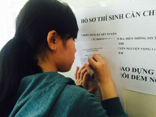 Cập nhật điểm chuẩn chính thức các trường ĐH, CĐ năm 2015 - anh 1