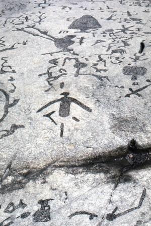 Truy tìm nguồn gốc vách đá huyền bí 3.000 năm tuổi ở Canada - anh 6