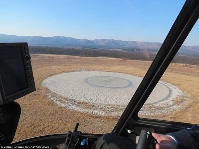 Kỳ thú núi lửa bùn hình mắt người khổng lồ Pugachevskiy - anh 2