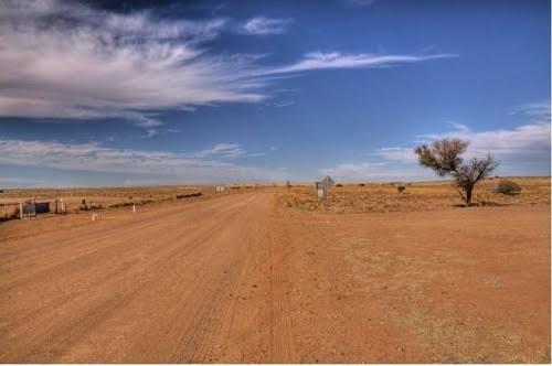 Hình thổ dân khổng lồ bí ẩn ở Australia - anh 2