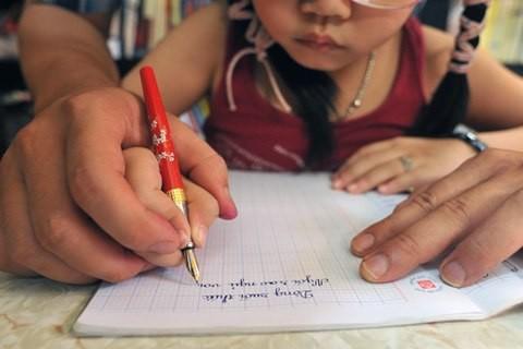 Kinh nghiệm luyện chữ cho học sinh tiểu học - anh 1