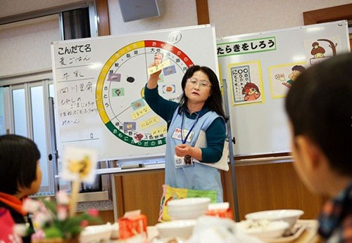 Thực tế bữa trưa tại trường tiểu học Nhật khiến cả thế giới sững sờ - anh 6