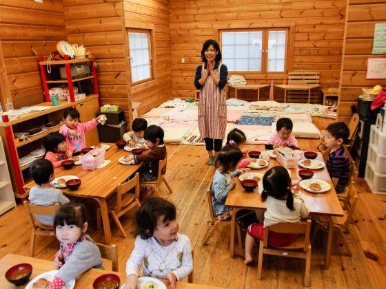 Trải nghiệm một ngày đi học tuyệt vời của trẻ ở trường mầm non Nhật Bản - anh 7