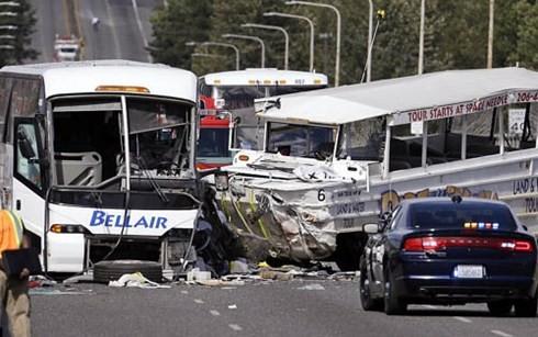 Xe bus chở hàng chục SV Việt tại Mỹ gặp nạn: Trong số 4 người thiệt mạng, không có người Việt - anh 1