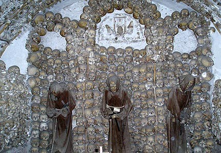Những lăng mộ rùng rợn nhất thế giới - anh 2