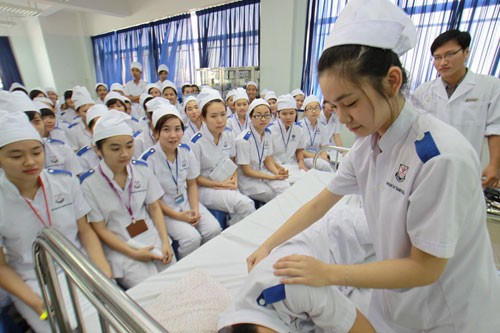 Học phí Đại học các ngành Y dược có thể lên tới hơn 50 triệu đồng/năm - anh 2