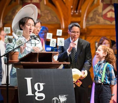 """""""Rớt hàm"""" trước 10 phát minh nhận giải Ig Nobel 2015 - anh 1"""