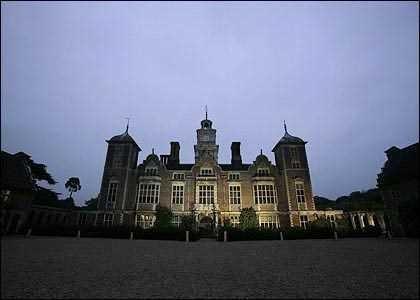 Những ngôi nhà ma ám nổi tiếng nhất nước Anh - anh 2