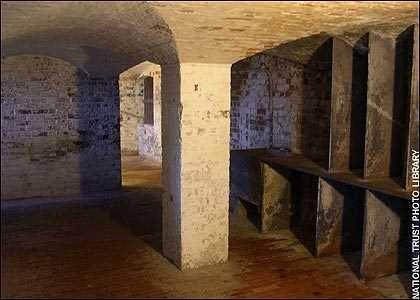 Những ngôi nhà ma ám nổi tiếng nhất nước Anh - anh 3