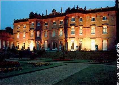 Những ngôi nhà ma ám nổi tiếng nhất nước Anh - anh 9