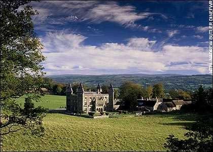 Những ngôi nhà ma ám nổi tiếng nhất nước Anh - anh 5