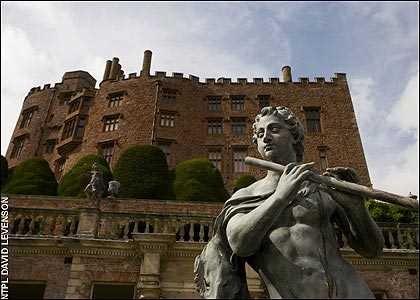 Những ngôi nhà ma ám nổi tiếng nhất nước Anh - anh 10