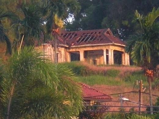 """Một vòng quanh 11 địa điểm """"ma ám"""" ở Malaysia - anh 1"""