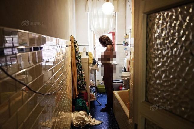 Số phận nghiệt ngã của gái bán dâm đứng đường ở Italia hoa lệ - anh 3