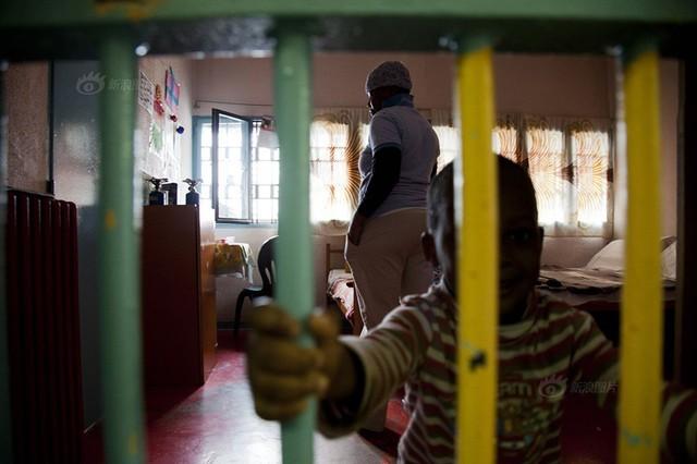 Số phận nghiệt ngã của gái bán dâm đứng đường ở Italia hoa lệ - anh 9