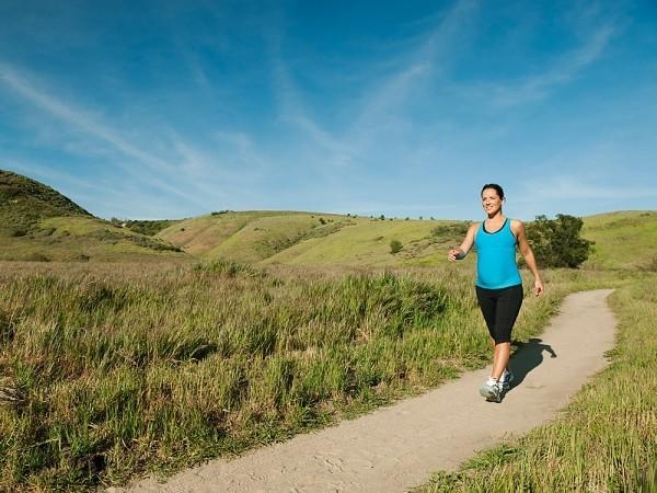 Hướng dẫn đi bộ đúng cách trong từng giai đoạn mang thai - anh 3