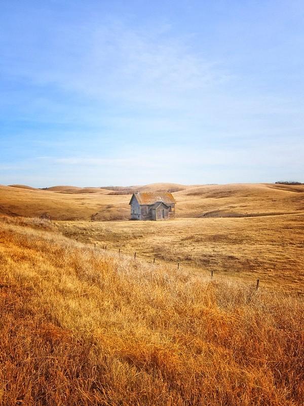 Vẻ đẹp kỳ bí của những ngôi nhà cô độc nhất hành tinh - anh 15