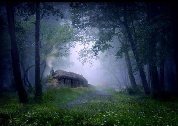 Vẻ đẹp kỳ bí của những ngôi nhà cô độc nhất hành tinh - anh 2