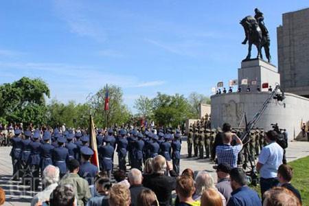 Châu Âu tưng bừng kỷ niệm Ngày Chiến Thắng phát xít - anh 5