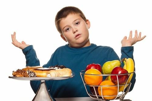 """11 loại thực phẩm khiến trẻ """"phát phì"""" nhanh như thổi - anh 1"""