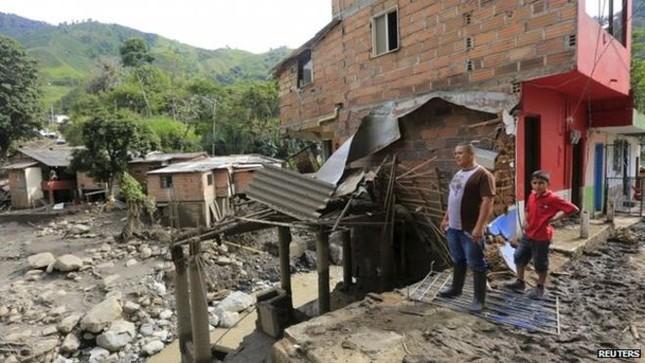 Thảm họa lở đất tại Colombia: Bé 11 tháng tuổi sống sót kỳ diệu - anh 2