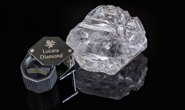 Phát hiện viên kim cương lớn nhất thế giới trong hơn 100 năm - anh 1