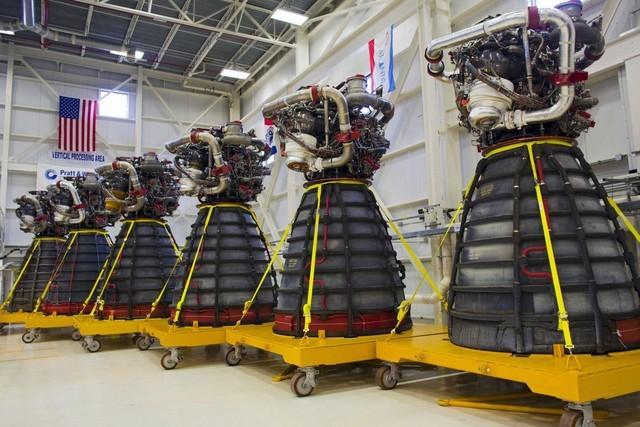 NASA chi 1,16 tỷ USD mua động cơ tên lửa để bay tới sao Hỏa - anh 1
