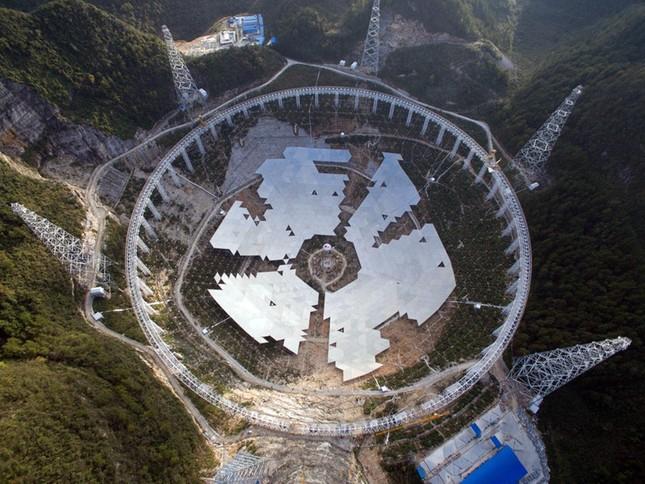 Trung Quốc sắp hoàn thành kính viễn vọng vô tuyến lớn nhất thế giới - anh 3