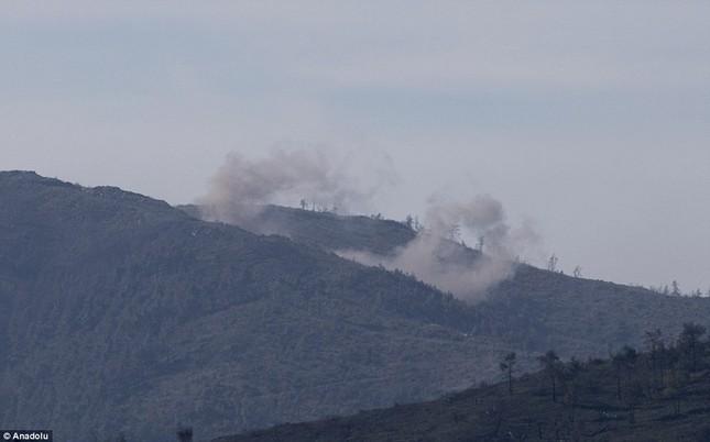 Nga không kích dữ dội khu vực máy bay Su-24 bị bắn rơi ở Syria - anh 1