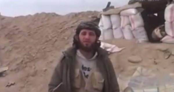 Syria: Khủng bố trúng đạn pháo khi đang ăn mừng chiến thắng - anh 1