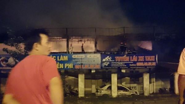 Cháy lớn tại bar Luxury Hà Nội: Hàng trăm người la hét, tháo chạy - anh 6