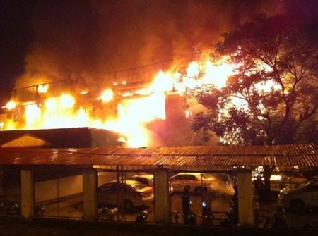 Vụ cháy bar Luxury: Nguyên nhân do chập điện, thiệt hại 10 tỷ đồng - anh 1