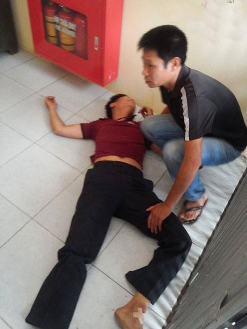 Hà Nội: Bé gái 11 tuổi chết bất thường, hàng trăm người dân vây kín bệnh viện - anh 3