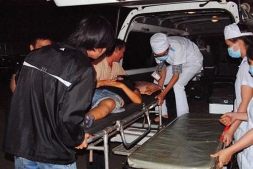 Xe tập lái tông vào đám đông: 2 người chết, 8 người bị thương - anh 2
