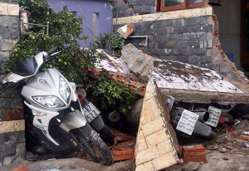 Bình Dương: Làm rõ nguyên nhân vụ sập nhà 4 tầng khiến nhiều người hoảng loạn - anh 1