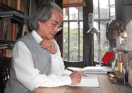 """Nhà văn Sơn Tùng - tác giả """"Búp sen xanh"""" nổi tiếng: """"Bát chữ phải đầy hơn bát cơm"""" - anh 1"""