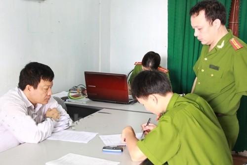Nguyên phó Phòng TN&MT huyện Nghi Xuân (Hà Tĩnh) bị bắt - anh 1