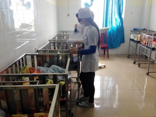 Cháy khoa Nhi bệnh viện, sơ tán khẩn cấp trẻ sơ sinh trong đêm - anh 1
