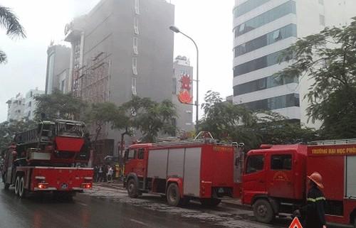 Hà Nội: Cháy quán karaoke cạnh sân vận động Mỹ Đình - anh 2