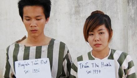 Cặp tình nhân rủ thiếu nữ đi xem bói để cướp xe - anh 1