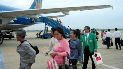 """Bản tin """"113+"""": Vợ sinh đôi, chồng được nghỉ 10 ngày làm việc; Hoạt động bay tại sân bay Tân Sơn Nhất gián đoạn do mất điện - anh 2"""