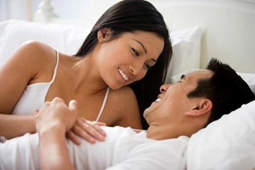 """Tuyệt chiêu giúp vợ chồng hòa hợp trong """"chuyện ấy"""" - anh 1"""