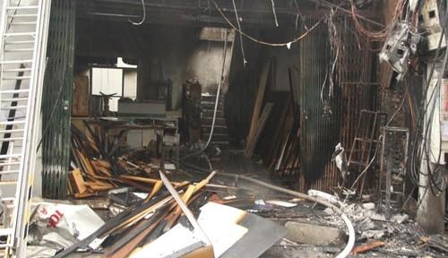 Hà Nội: Cháy lớn 2 xưởng gỗ trên đường Đê La Thành - anh 3