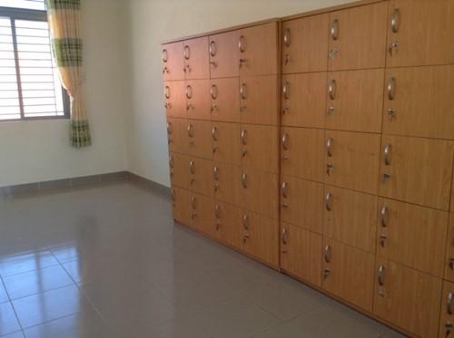 TP. HCM: Học sinh lớp 1 bị tủ trong phòng ngủ ở trường đè tử vong - anh 2