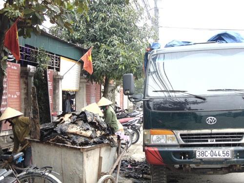 """Bản tin """"113+"""": Phát hiện xác chết bị đốt cháy trong bụi cỏ; Nổ bình ga mini, 4 người nhập viện - anh 2"""